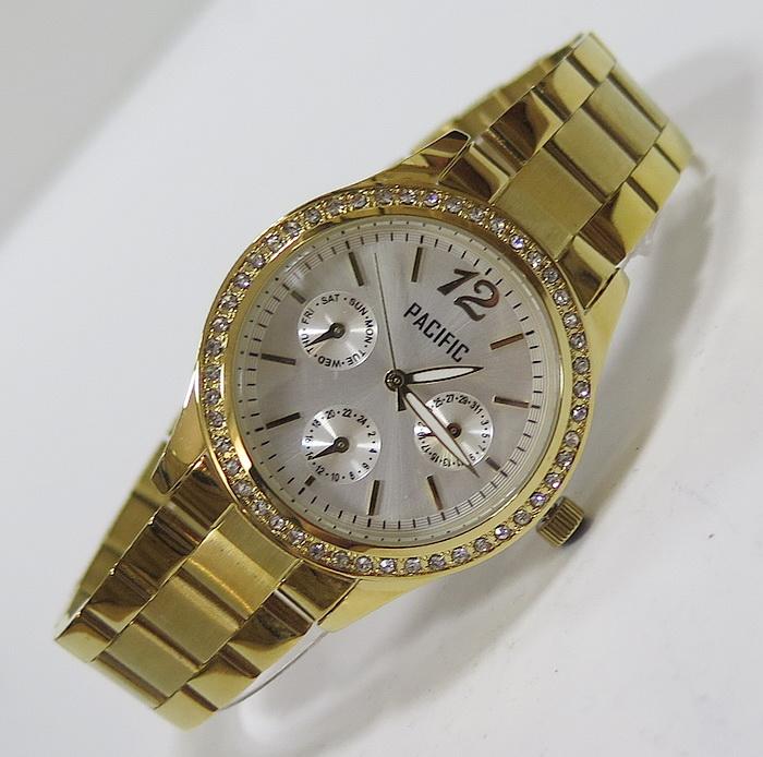 Продам красивые женские часы